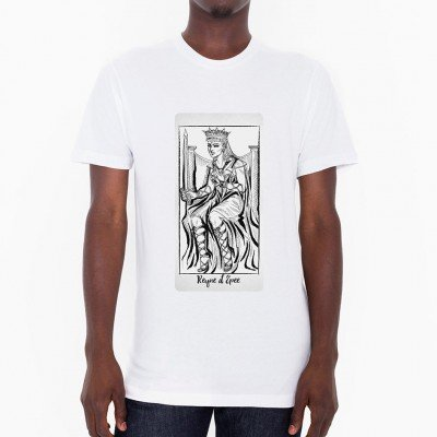 The Queen Of Swords Black & White Tarot Card T-Shirt